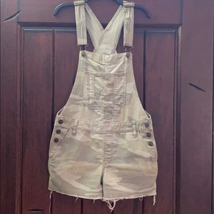 Abercrombie & Fitch Distressed Short Overalls XS